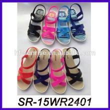 Sandalia de la sandalia de la sandalia de la sandalia plana de lujo de las señoras coloridas sandalia de la escuela de Tailandia