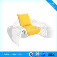 Chaise de rotin blanc de meubles de jardin en plein air