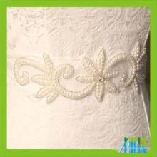 costurar sobre cristais de strass para cintos de casamento nupcial