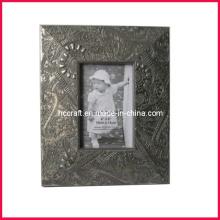 Antiguo marco de madera de fotos para las Artes