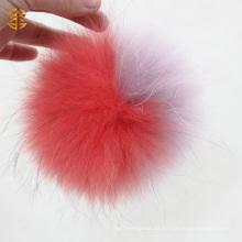 Echtes Tier Flauschiger Waschbär Hund Pelz Ball Großer Pelz Pom Poms Auf Beanie Hat