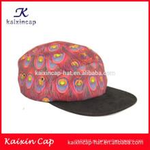 2015 diseño de alta calidad su propio logotipo negro borde en blanco plumas de pavo real correa de cuero 5 paneles sombreros