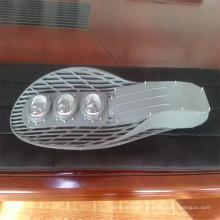 Réverbère imperméable de la puissance élevée LED, réverbère de la puissance élevée IP65, accessoires de réverbère de l'aluminium LED 30W 130 ~ 150lm / W