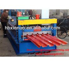 Iso hydraulique métal nouveau type presse fer en tôle d'acier panneau de toit 686 rouleau à froid formant la machine à vendre