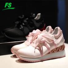 Mode nouvelle conception femmes sport chaussures de course arc respirant chaussures à semelles épaisses