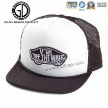 Chapeau de Tucker de Snapback arrière de bonne maille de mousse de mode avec le logo de broderie