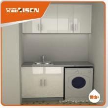 Simplement concevoir une armoire blanche blanche à haute brillance
