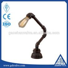 Matériel de tuyauterie de fer en bricolage lampe vintage