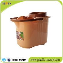 New Design Squeeze Plastic Mop Bucket with Wringer