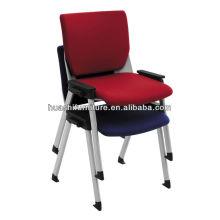 chaise empilable en tissu