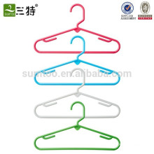 children clothes hangers plastic
