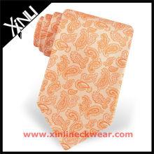 Neue Kollektion Gelbe Paisley-Krawatten