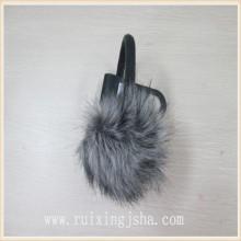 Imitação muff da orelha de peles de raposa