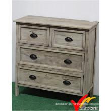 Armário de madeira maciça do vintage com efeito afligido branco