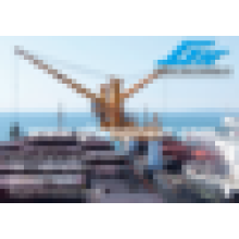 Crane sur la station de transfert flottant en vrac