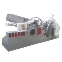 Découpeuse hydraulique de métal de barre d'acier de rebut