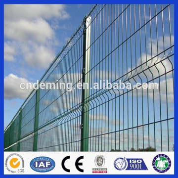 Square Post With Welded triangle bending wire mesh fence