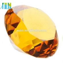 Presentes dados forma diamante de cristal do favor da decoração da tabela do casamento das senhoras do Paperweight
