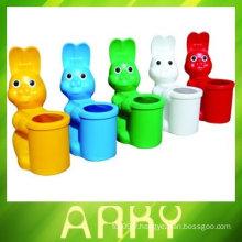 Poubelle en plastique pour maternelle