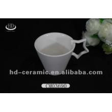 Weißes keramisches heißes Verkaufsbecher-Porzellan, keramischer Becher mit Sternhandgriff