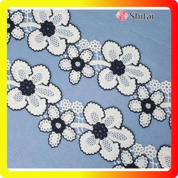 Beautiful flower embroidery lace on 2018