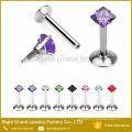 Forme el perno prisionero del labio del diseño con los anillos del labret de la gema joyería penetrante roscada interna