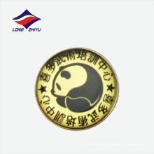 Прекрасный Panda дизайн логотипа золотой значок лацкан