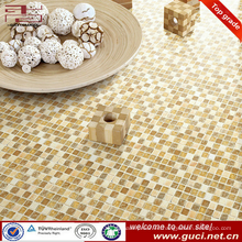 barato piso de mosaico de vidrio decorativo