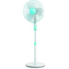 Ventilateur de stand électrique standard de 16 po avec minuterie. Appareil électrique domestique