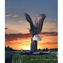 Decoração do jardim ao ar livre de alta qualidade artesanato em metal grande estátua de bronze da águia