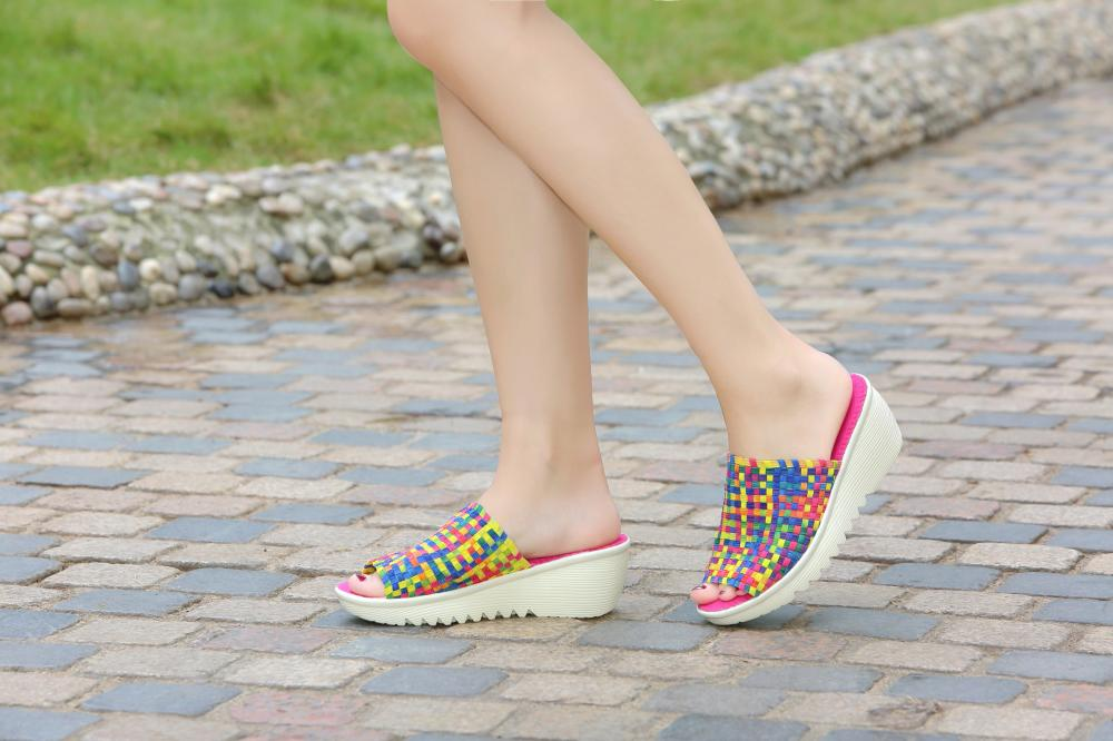 Classic Style Woven Slippers