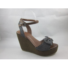 2016 New Design Ladies Chunk Sandals (HCY03-045)