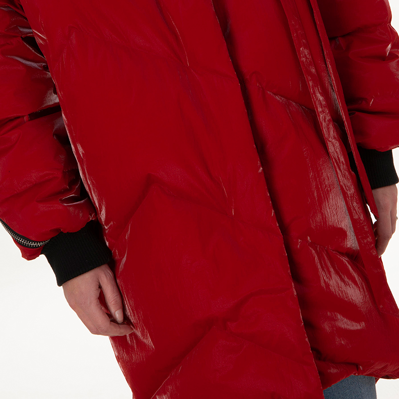 Red fashionable down jacket collar
