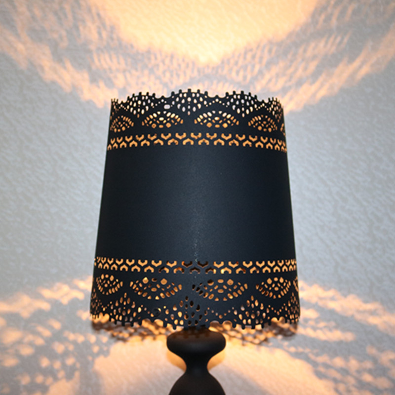 European Style Black Iron Cutting Bedside Table Lamp