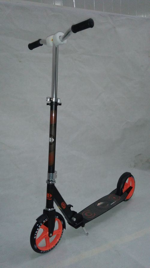 2016 New Design Adult Kick Scooter with 200mm PU Wheels