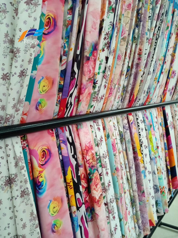 Wholesale 100% Polyester Floral Printed Chiffon Fabric 1