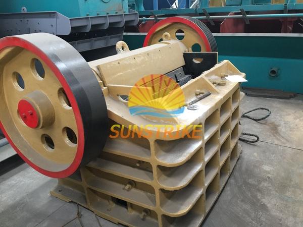 Mining Equipment Stone Crusher Machine, Jaw Crushers