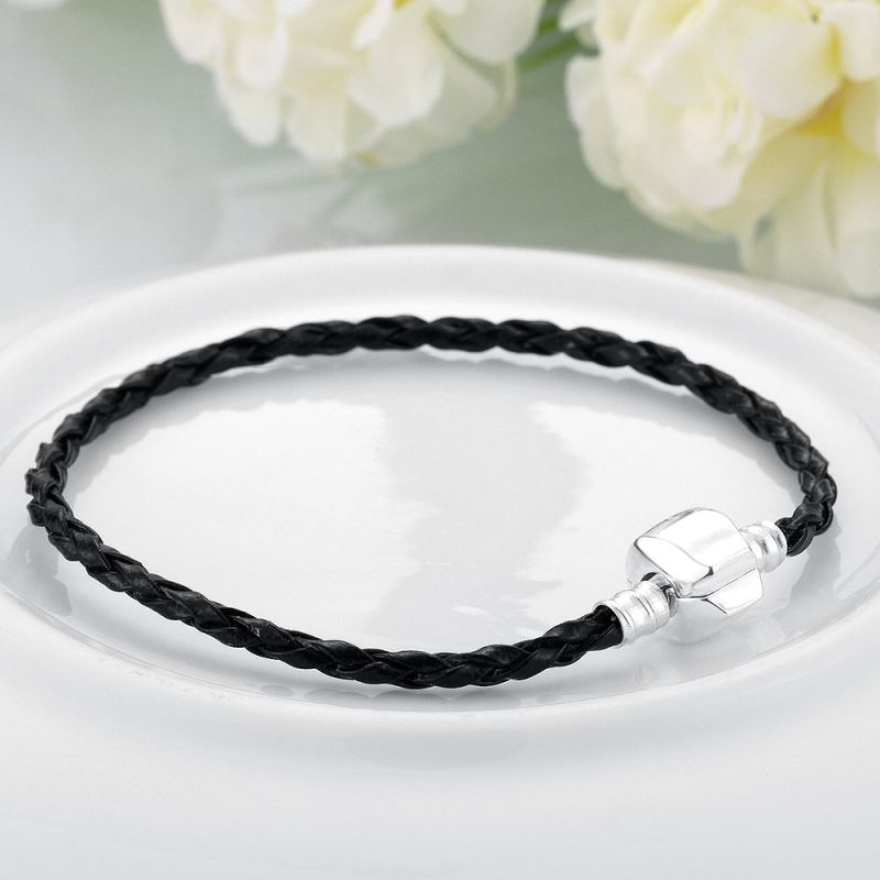 Simple Design Fashion Women Bracelet Made of Leather Women Bangle Black Leather Bracelet
