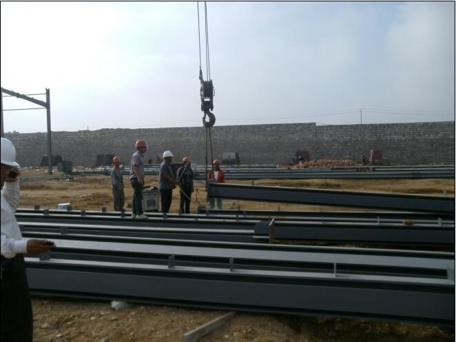 Prefabricated Light Structural Steel Warehouse/Workshop