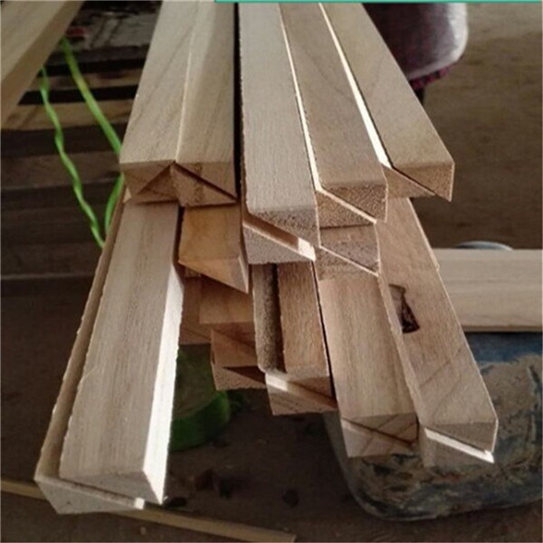 Natural Color Paulownia Triangle Chamfer Solid Strip