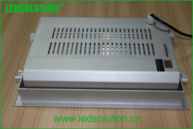 IP66 Outdoor LED Recessed Light for Gas Station Lighting
