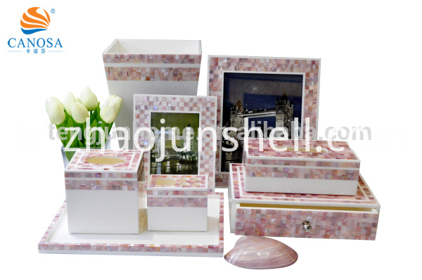 Eight Piece Sets Pink shell polyresin bathroom sets