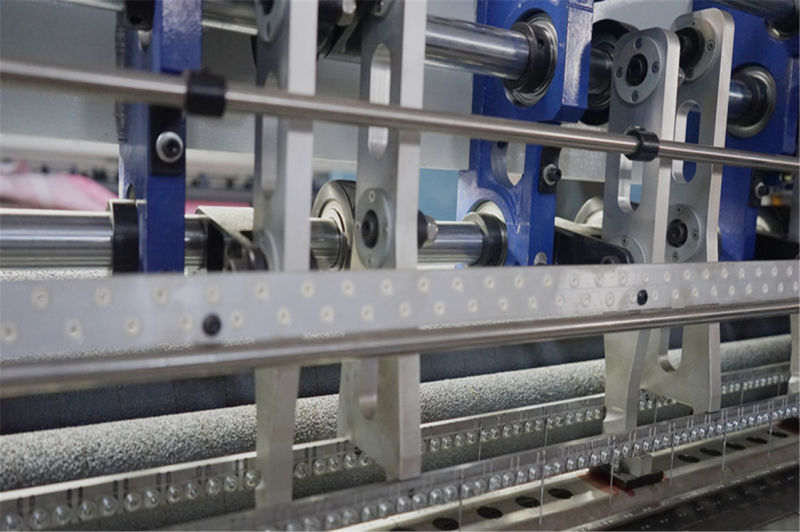 Computerized Multi Needle Lock Stitch Shuttle High Speed Quilting Machine for Quilts