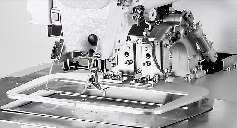 eyelet sewing machine