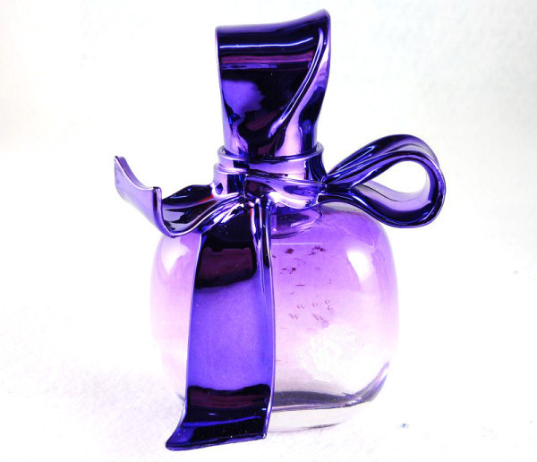 Perfume with Charming Smell Designer and Loved by All Ladies