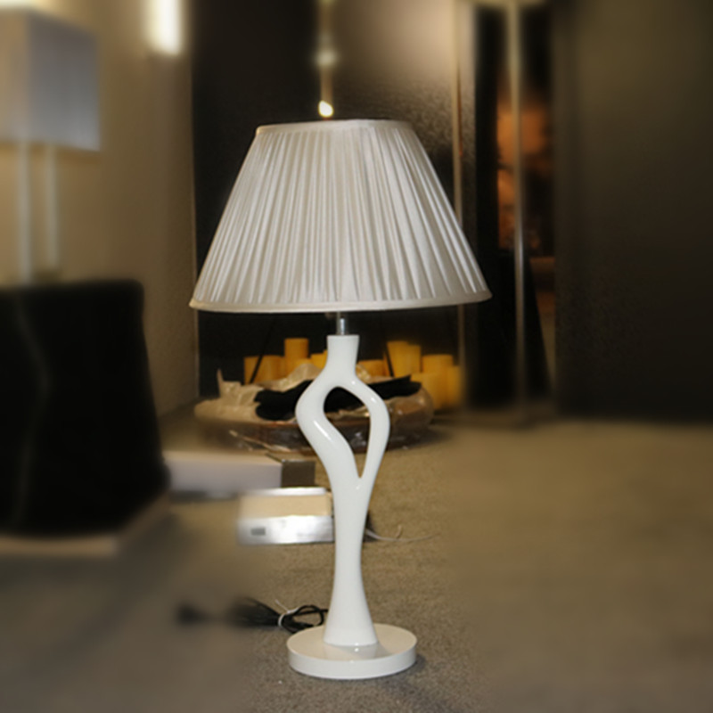 White Resin Bedside Table Lamp for Hotel Project