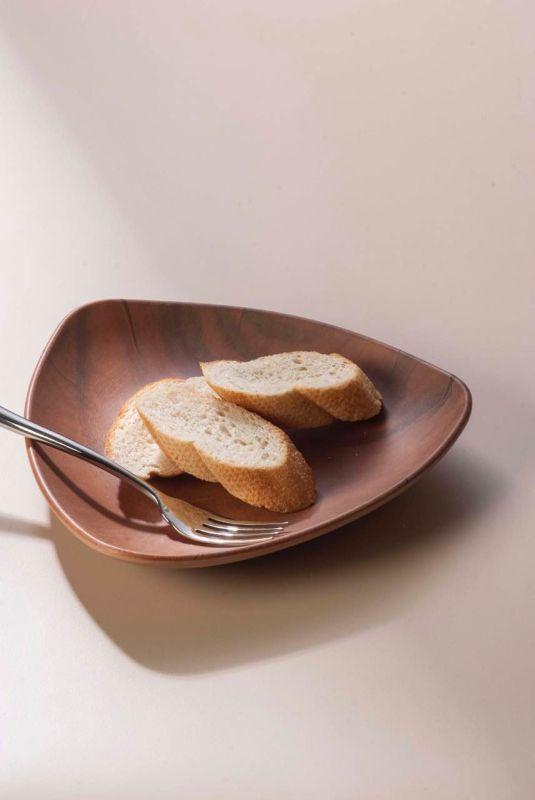 Melamine Wooden Like Triangle Plate/Melamine Dish (NKW13702-08)