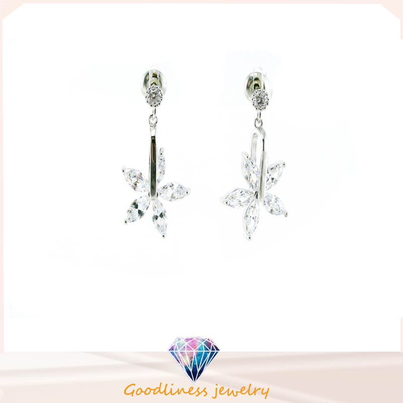 New Design and Fashion Woman's Earring 925 Silver Jewelry (E6526)