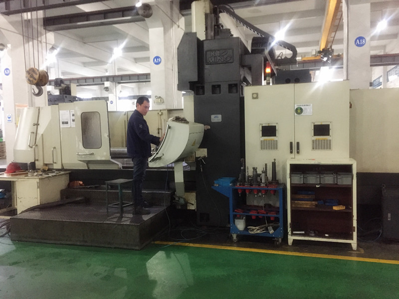 Chinese Factory Customized CNC Machining Transmission Spline Long Gear Shaft