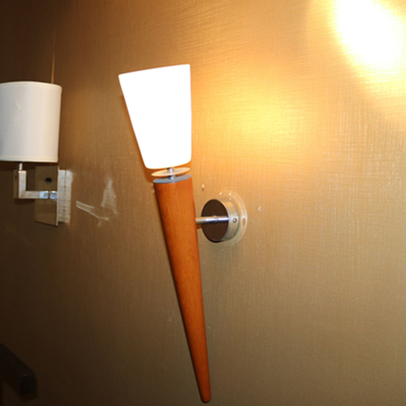 Modern Simple Glass Red Wall Lamp for Hotel Project